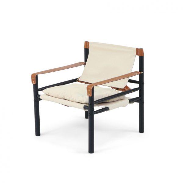 Sirocco från Norell Möbel. Design Arne Norell. Svart bets, ljus canvas och whiskey-färgat läder.