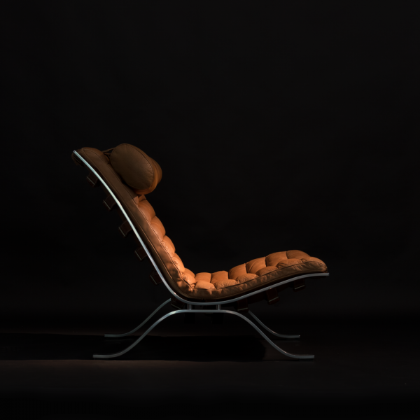 'Ari' från Norell Möbel, design Arne Norell. Anilinläder från Sørensen Leather. Foto: Manfred Maier, www.room-of-art.de