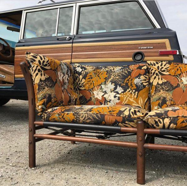 ilona soffa vintage. Handgjord av Norell Möbel. Design Arne Norell. (foto: @designboard)