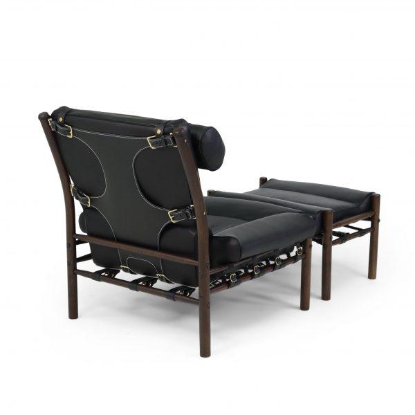 Inca från Norell Möbel, design Arne Norell. Plymåläder Elmo Rustical 99991 svart, stöd/rem-läder Tärnsjö 9308 svart, träbets mörkbrun 1323.