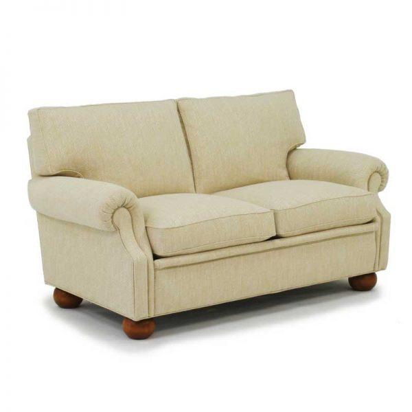 Plaza klassisk beige soffa Norell Möbel