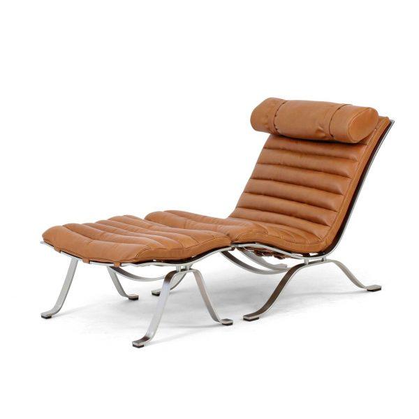 Ari fåtölj från Norell Möbler. Läder: Sørensen Elegance 20195 Walnut. Design: Arne Norell 1966.