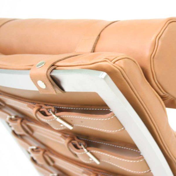 Ari ljusbrunt läder fåtölj design Arne Norell