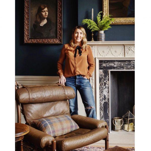 Inredningsdesignern Lisa Guest valde en vintage 'Inca' fåtölj till ett fantastiskt Georgianskt husprojekt. (www.interiorsbylisaguest.com. Foto av www.zacandzac.co.uk)