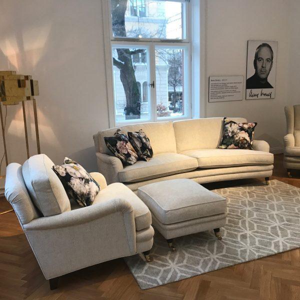 Beige soffa och fåtölj av Howard modell från Norell Möbler