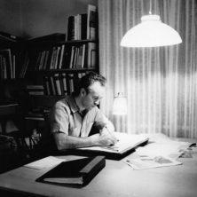 Arne Norell ritar en ny modell