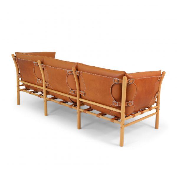 Ilona 3-sits i stödläder Shoulder Whiskey, plymåläder Elmotique 43807. Design: Arne Norell 1971